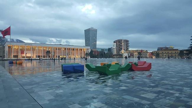 Vazhdojnë reshjet e shiut edhe gjatë fundjavës – Këto janë temperaturat për qytetet shqiptare dhe evropiane