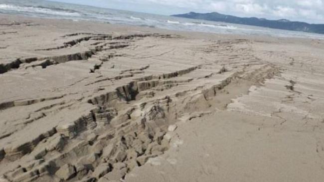 Tërmeti zhvendos edhe rërën