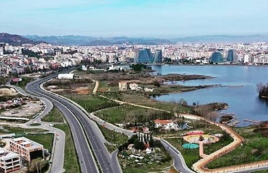 Java nis me mot të ndryshueshëm, nga e mërkura reshje shiu e bore në Shqipëri