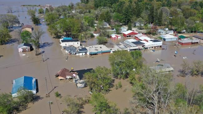 Miçigan po përballet me përmbytjet katastrofale pas shpërthimit të digës '500 vjeçare' [Foto]