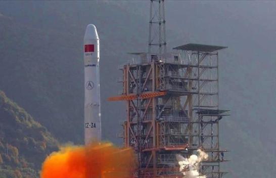 Mbeturinat e raketës kineze Long March mund të bien në Tokë