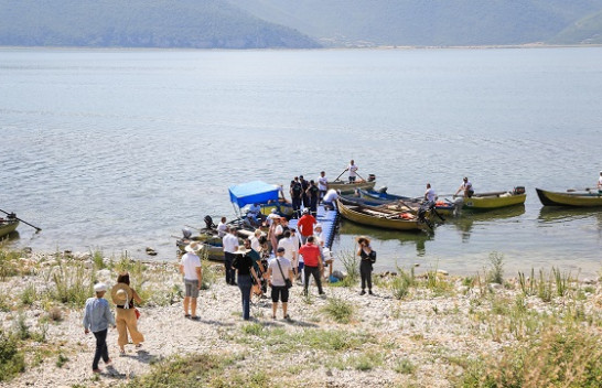 3.3 milion të huaj hynë në Shqipëri gjatë verës/ 2.1 milion nga Kosova