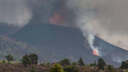 Vazhdon shpërthimi i vullkanit në La Palma të Spanjës